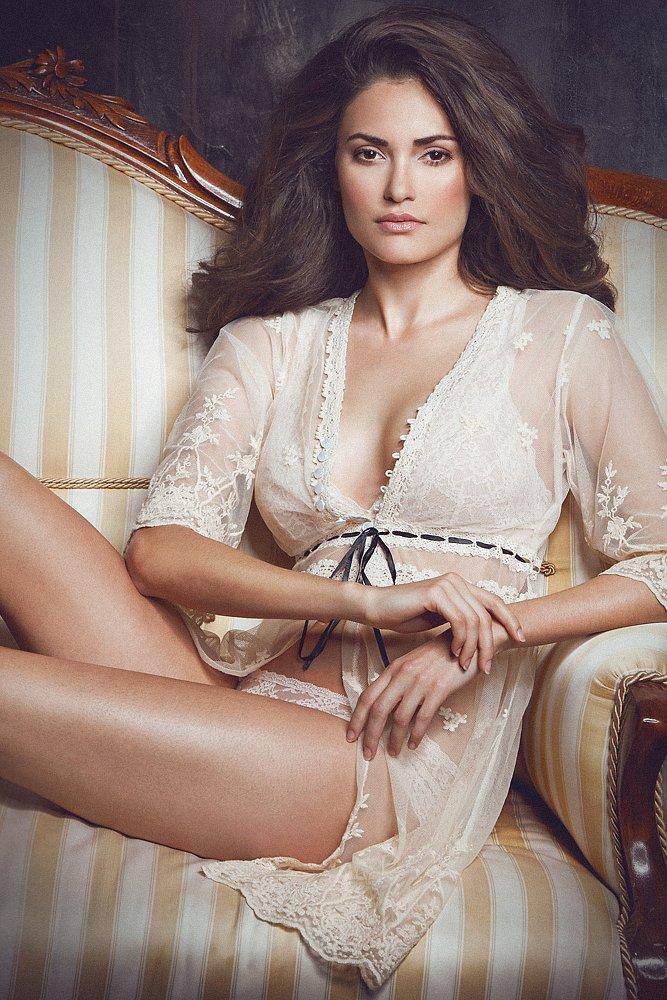 lingerie-martin-hoehne-gabriela2.jpg