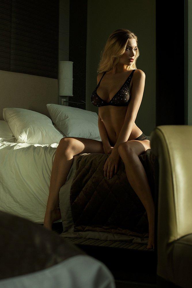 lingerie-martin-hoehne-melinda-london.jpg
